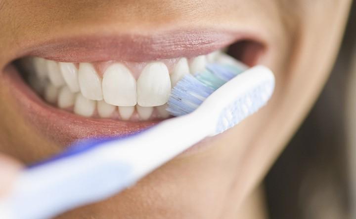 Parodontite e Diabete: le 10 cose da sapere per salvare il tuo sorriso