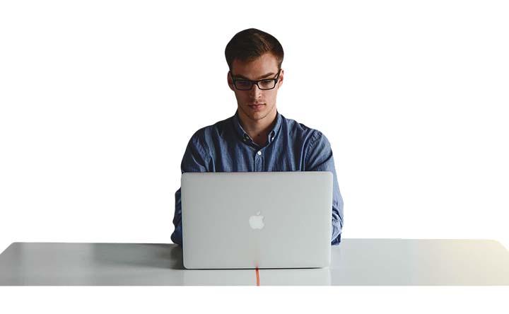 Qual è la postura corretta per stare al computer?