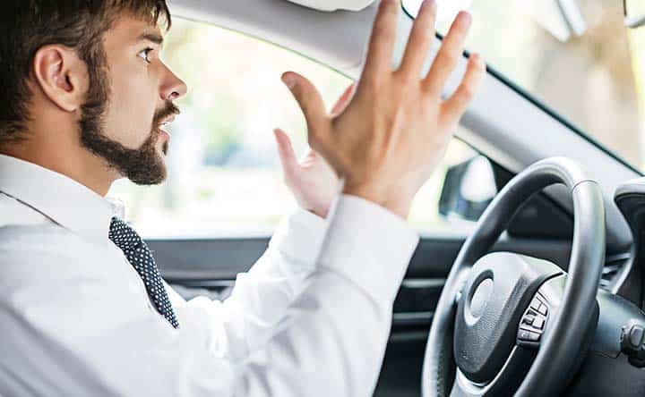 Stress e traffico: ecco perché gli uomini sono più stressati delle donne