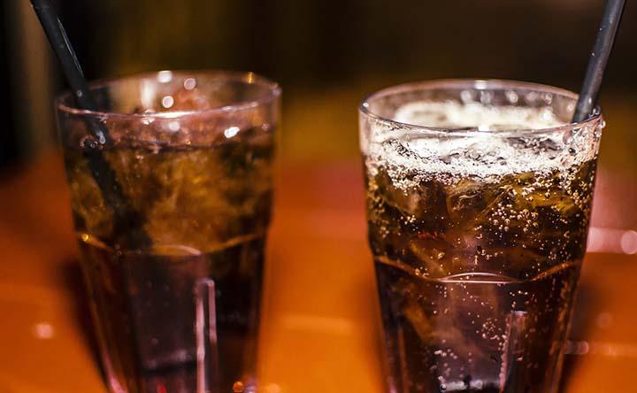 Le bevande che danneggiano i denti – parte 3: le bibite analcoliche