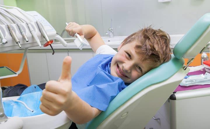 Come eliminare la paura del dentista del tuo bambino?