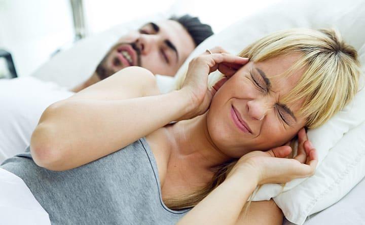 Il bruxismo notturno: cos'è? In che modo è legato con i disturbi del sonno?