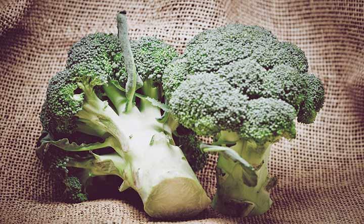 """Broccoli e cavolfiori: per un sorriso più """"bianco"""""""