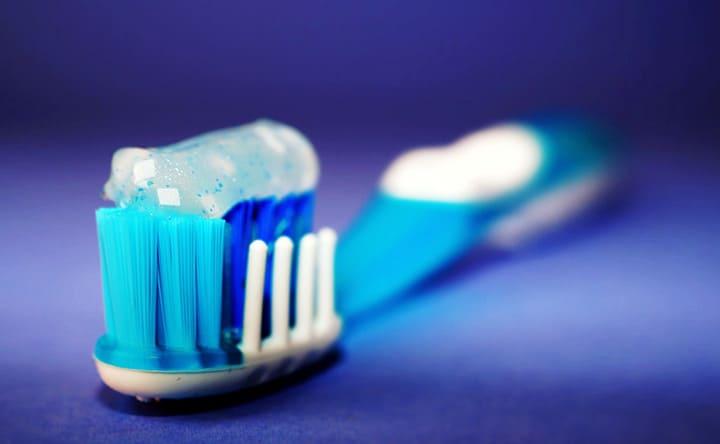 Triclosan e spazzolino da denti: una difficile situazione