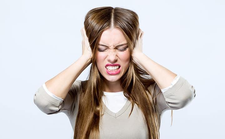 Trattamenti per evitare di digrignare e serrare i denti mentre si dorme