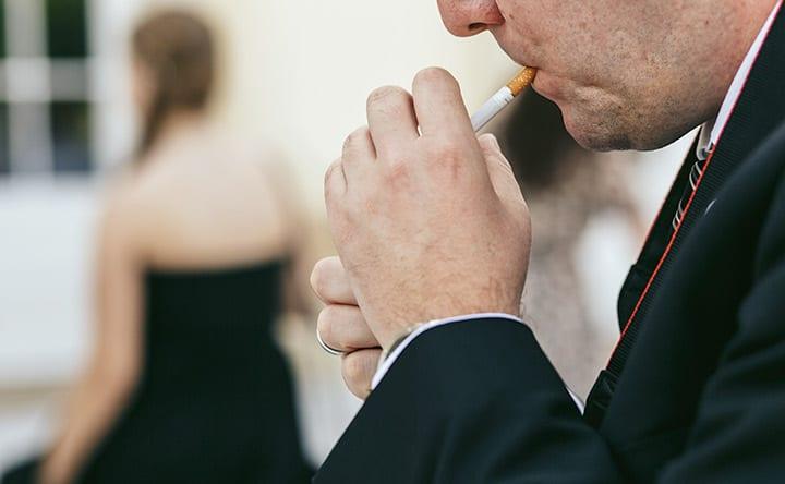 """Fumo e chili in più sono """"amici"""" della parodontite"""