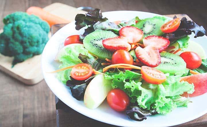 Come l'alimentazione può aiutare contro la piorrea (o parodontite)