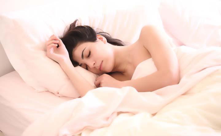 Dormire meno di 6 ore a notte aumenta del 30 percento il rischio di malattie cardiovascolari