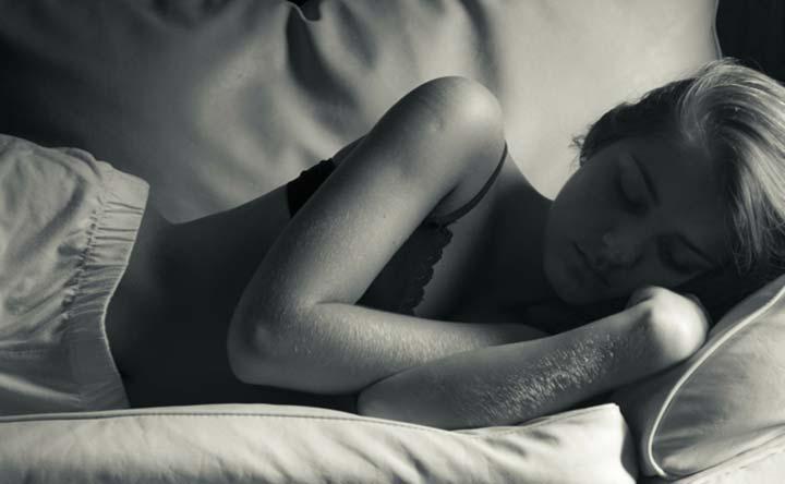 Dormire al buio per limitare l'aumento di peso