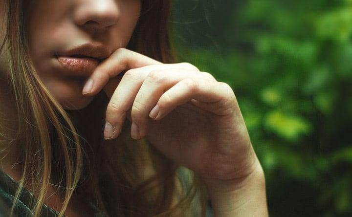 Cosa può indicare la bocca secca e come mantenerla idratata